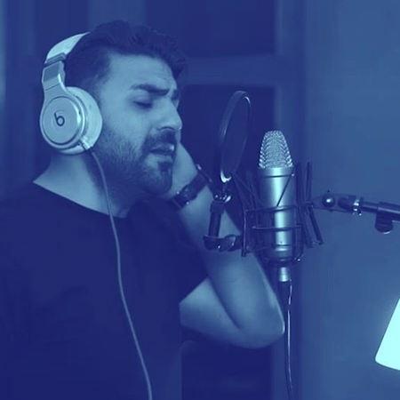 Farhad Manesh Mage Nadidi Ghalbam Musico.ir  دانلود آهنگ مگه ندیدی قلبم فرهاد منش