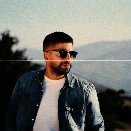 Xaniar Khosravi Ghabe Akse Khali Musico.ir  دانلود آهنگ زانیار خسروی قاب عکس خالی