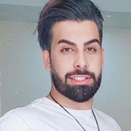 Majid Razavi Khoshgelam Bia Musico.ir  دانلود آهنگ خوشگلم بیا چیدم شمعارو مجید رضوی