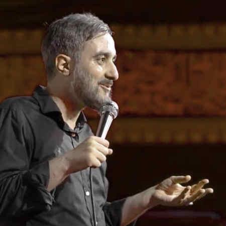 Mohammad Hossein Pooyanfar Donbalet Migardam Musico.ir  دانلود مداحی دنبالت میگردم خونه به خونه محمد حسین پویانفر