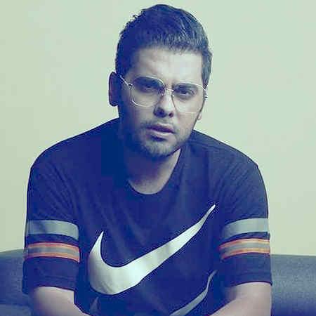 Yousef Zamani Bia Khatere Sazi Konim Musico.ir  دانلود آهنگ بیا خاطره سازی کنیم با احساسات این دلا بازی کنیم یوسف زمانی
